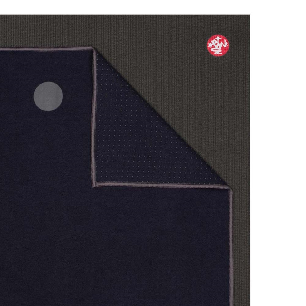 Manduka yogitoes Yoga Towel-Midnight